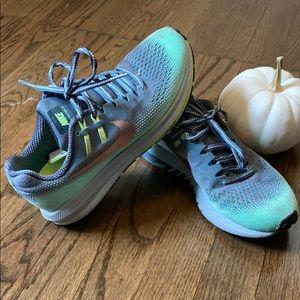 Nike Women's Zoom Structure 20 Running Shoe